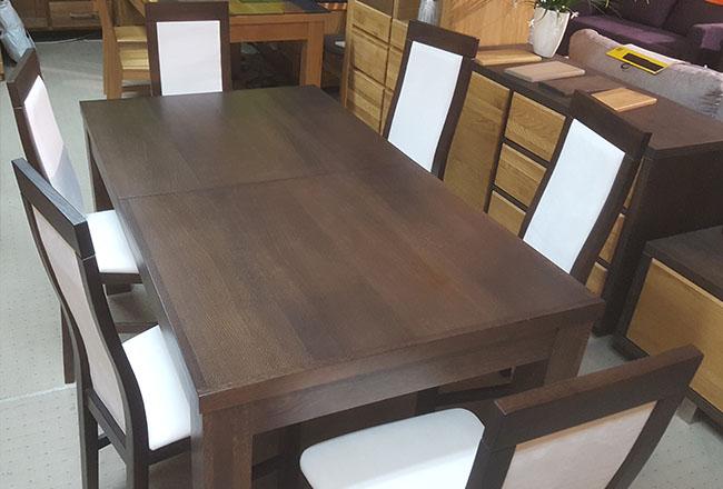 Stół dębowy Ernest w ciemnym wybarwieniu