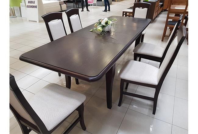 rozłozony stół dębowy