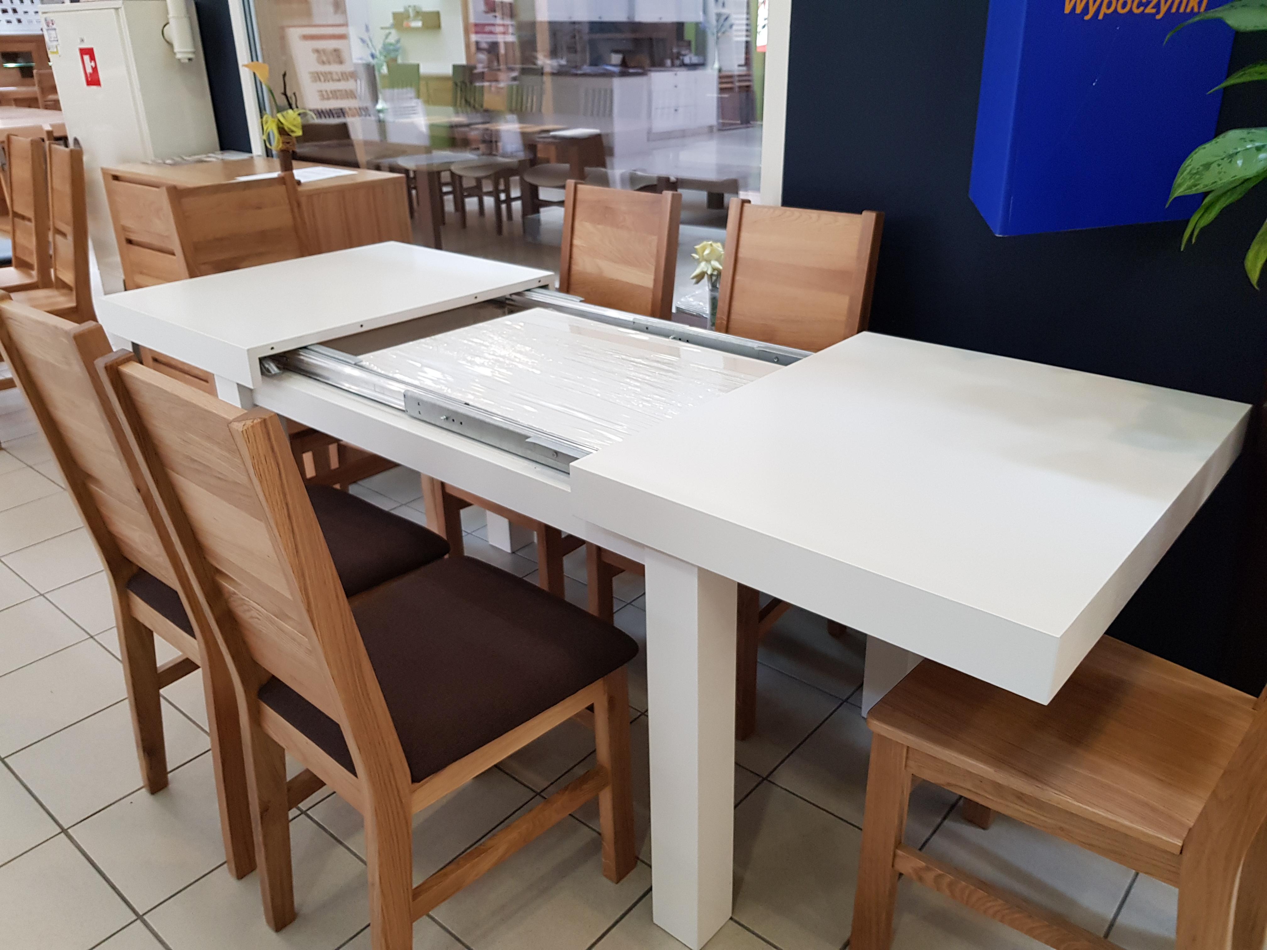 rozkłądanie stołu debowego