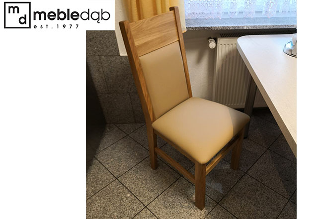 Krzesło dębowe Eryk A w tapicerce skórzanej.